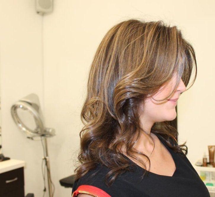 cool Венецианское мелирование на темные волосы (50 фото) — Популярная техника на короткие и длинные локоны Читай больше http://avrorra.com/venecianskoe-melirovanie-na-temnye-volosy-foto/