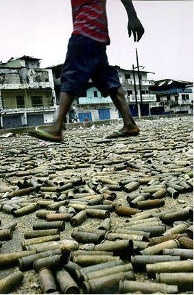 carolyn cole war underfoot Top 10 imagens que chocaram o mundo