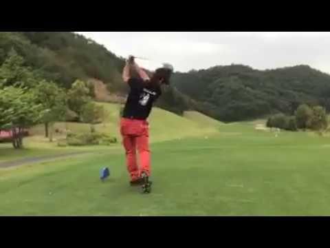D吉田によるDCD703試打インプレッション⛳ We started DOCUS Channel!!  Please subscribe to my channel!  Video is about DCD703 driver!!  DOCUS Channel始めました!!  是非登録お願いします!  動画はDCD703ドライバー!! ----- 圧倒的な破壊力 HARAKEN DOCUS... 日本語:http://www.docus-golf.com/  English:http://www.docus-golf.com/en/   #docus #docusgolf #haraken #golf #luxurygolf #doser #golfing #golflife #golfclothes #umbrella #luxury #lifestyle #ゴルフ #ハラケン #ドゥーカス #ゴルフクラブ