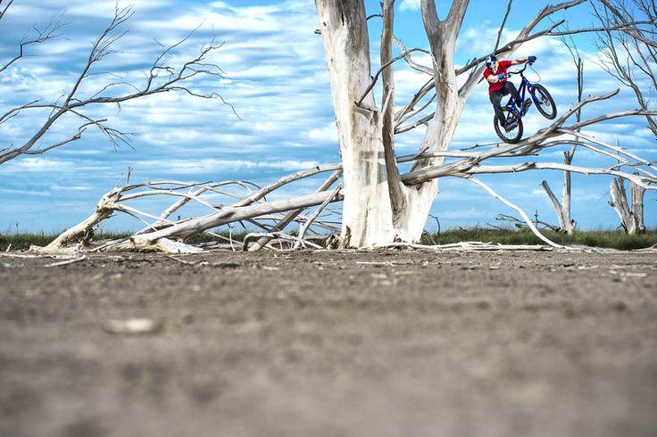 Danny Mcaskill Tree climbing in Epecuen - Argentina