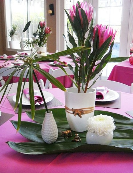 A great example of a well done DIY centerpiece, very nice!