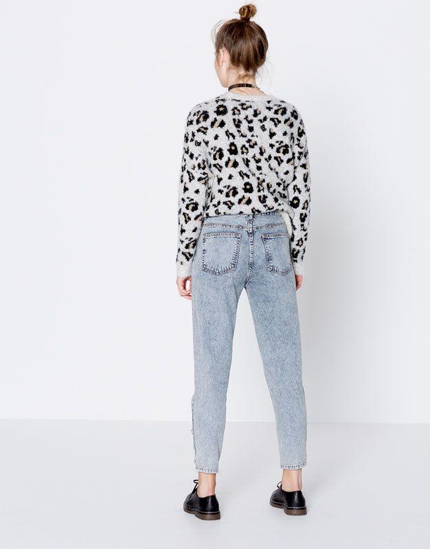 Jean mom fit déchiré et clouté - Mom fit - Jeans - Vêtements - Femme - PULL&BEAR France