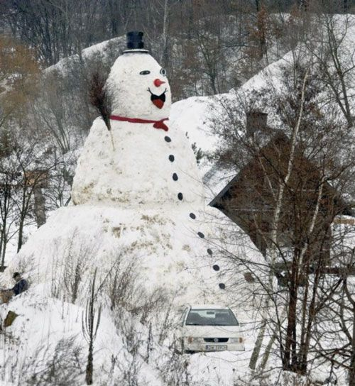 31' giant snowman in Poland