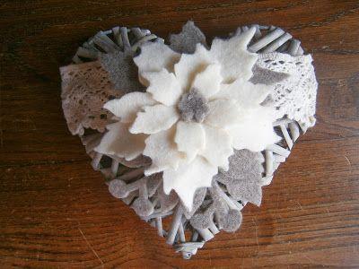L'ora del te: Cuori in vimini decorati con feltro e pile