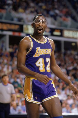 James Worthy-----Master of the Craft. Vintage Basketball!