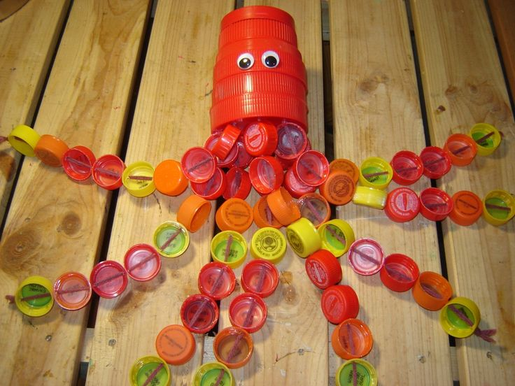 32 best images about jana insects on pinterest plastic for Plastic bees for crafts