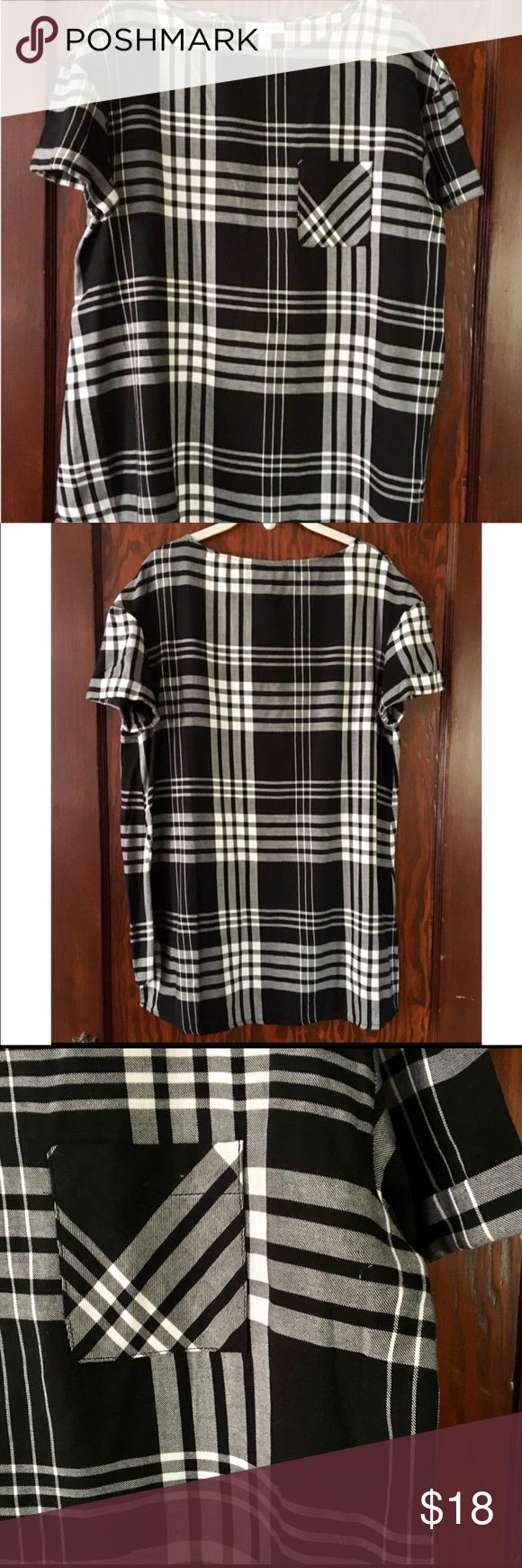 Plaid Liz Lange Maternity Tunic Lightweight black and white plaid maternity tunic. Only worn once! Excellent condition. Pre and post pregnancy I've worn it with leggings or skinnies and booties. Works as a regular tunic as well since it's a size Small. Liz Lange for Target Tops Tunics