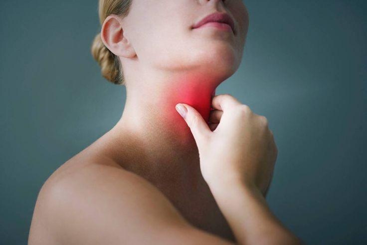 Natürliche Hausmittel gegen Halsschmerzen, Heiserkeit und Schluckbeschwerden. Bekämpfen Sie Halsschmerzen mit Hausmitteln zur Linderung der Halsschmerzen.