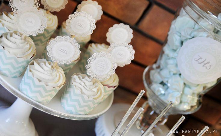 Dekoracje na Komunię communion cupcakes