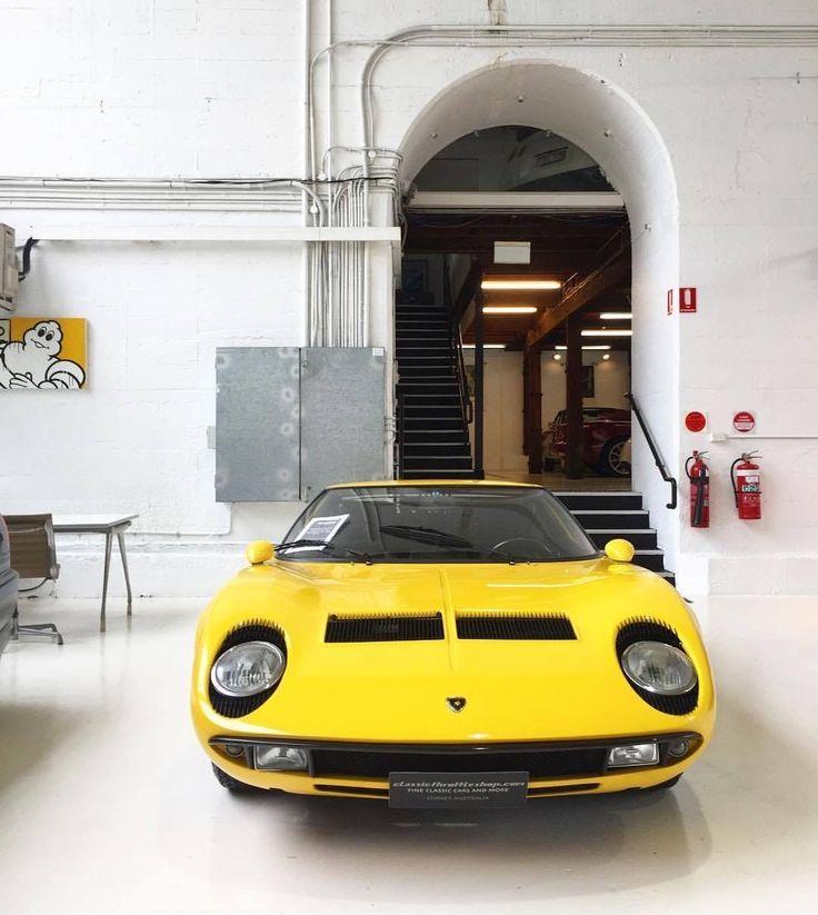 Lamborghini Miura #lamborghiniclassiccars #lamborghinivintagecars