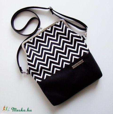 Crossbody táska - fekete-fehér (PalmerDesign) - Meska.hu
