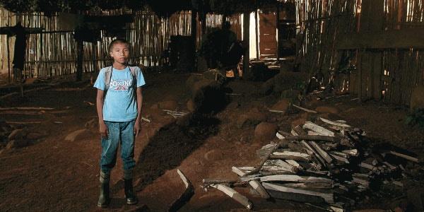 La travesía de Wikdi Por Alberto Salcedo Ramos/ Fotografías de Camilo Rozo/ Producción de Stephanie Kisner Wikdi es un niño que vive en Chocó y que debe caminar cinco horas diarias para ir y volver a su escuela.
