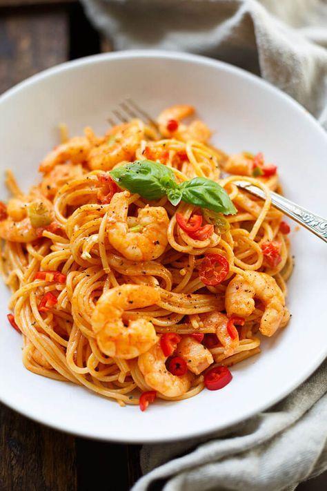 Pasta mit Garnelen-Tomaten-Sahne-Sauce (20 Minuten!)   – kochen