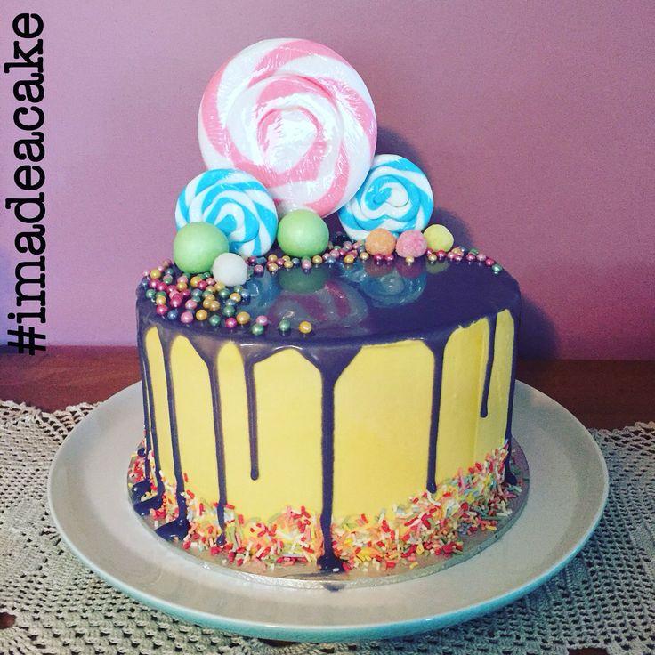 #imadeacake Vanilla cake with vanilla buttercream and white chocolate ganache