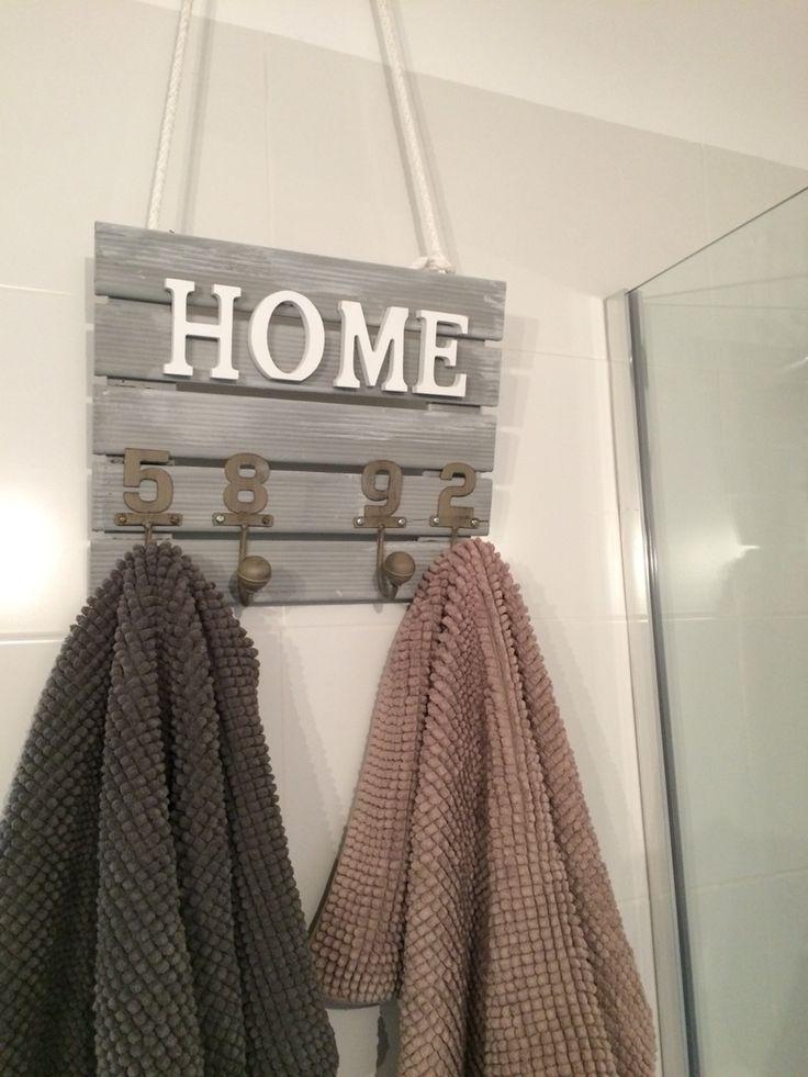 Perchero de pared para las toallas decora mi ba o percheros de pared pinterest - Percheros antiguos de pared ...