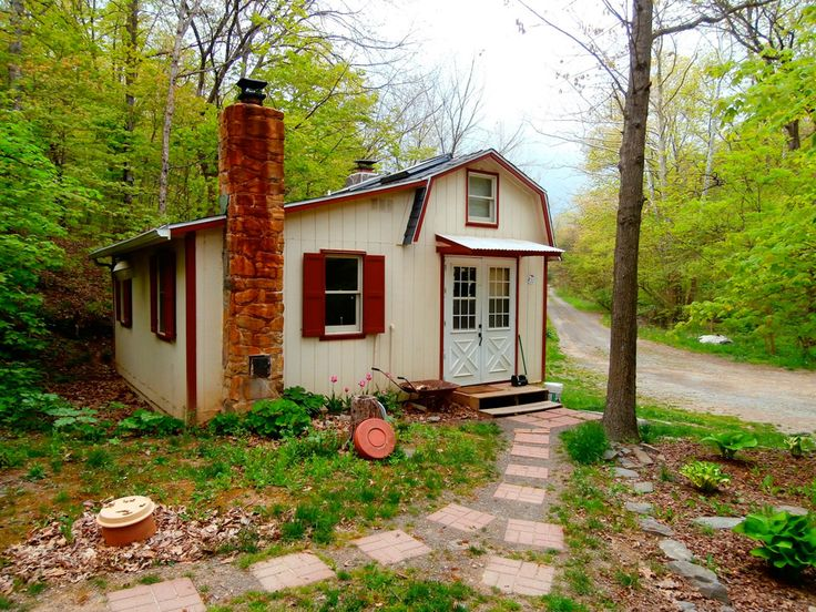 rural cottage a 480 square feet home in the woods of west virginia pinned by haw. Black Bedroom Furniture Sets. Home Design Ideas