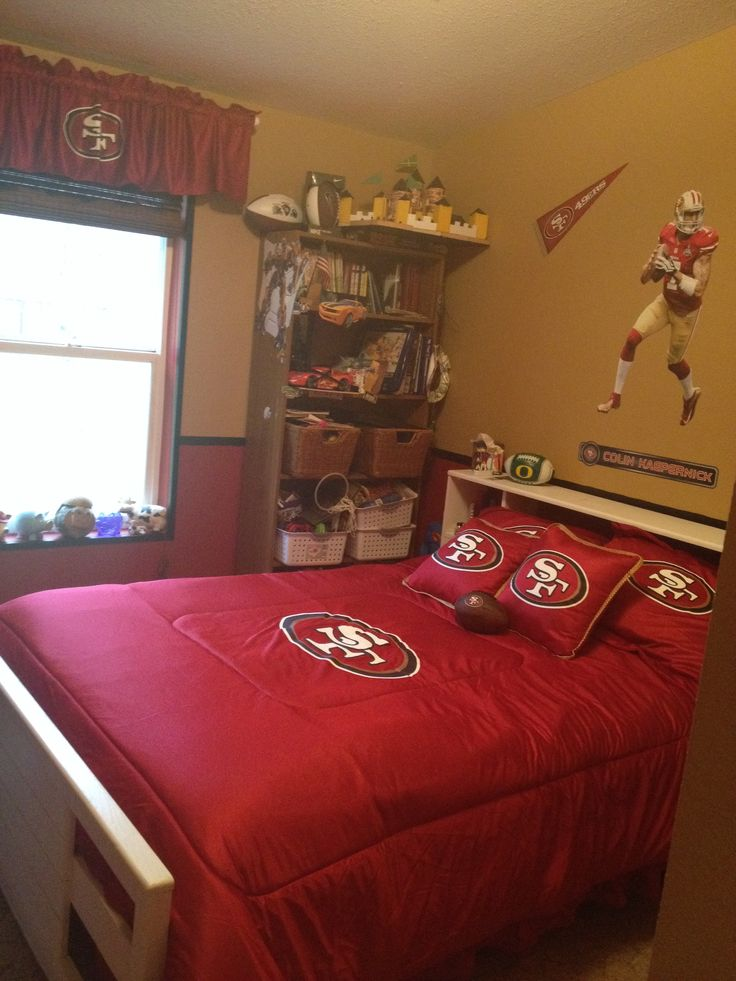 49ers room. If I had a baby boy his room would be all niners ❤️