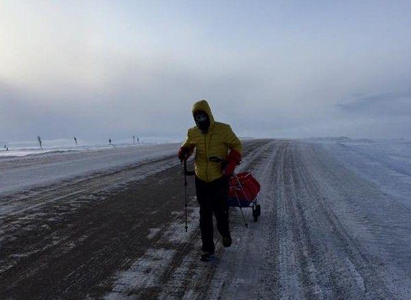 Participantii pentru Romania la cel mai greu maraton din lume sunt Tiberiu Useriu, Andrei Rosu si Vlad Tanase,... distanta de 566 kilometri