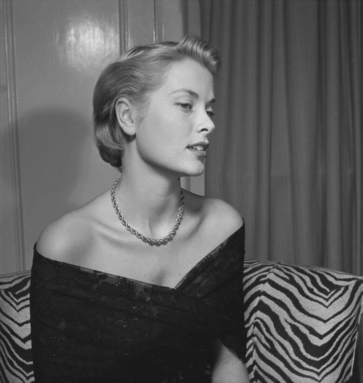 Grace Kelly, 1949. - La guapa actriz luciendo despampanante