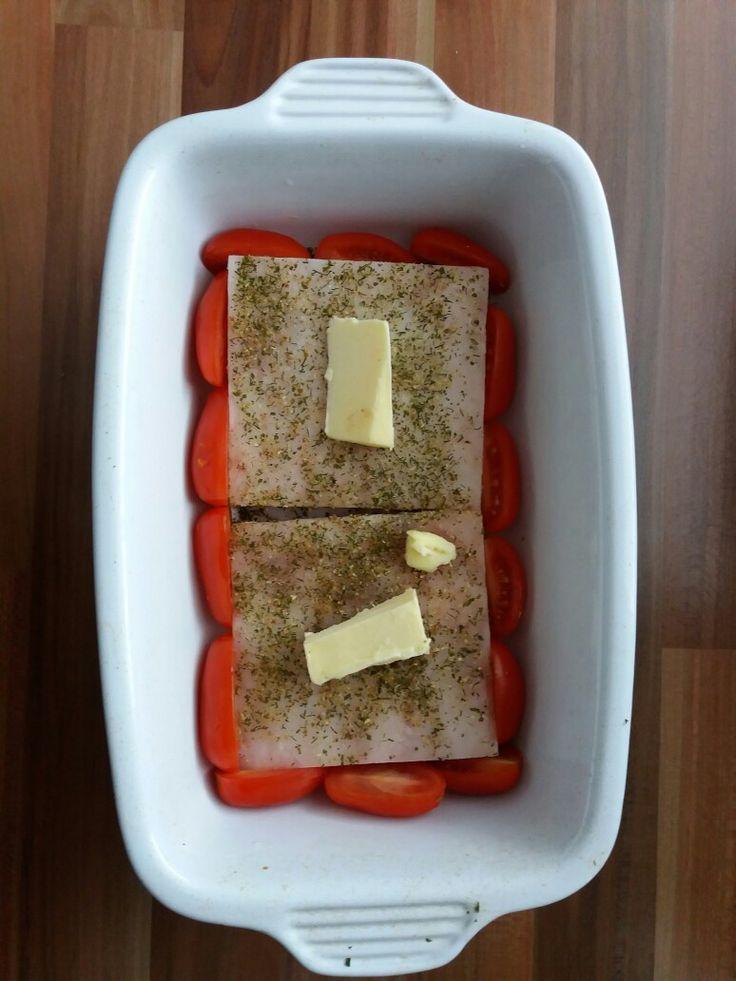 Rybí filé na rajčatech