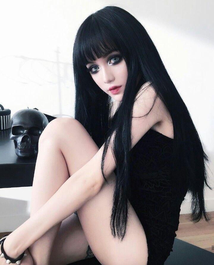 Hot girl naked clloser