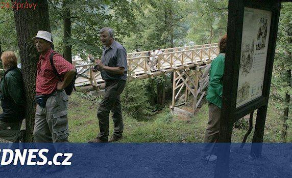 Most u zříceniny hradu Velešín zničila dřevokazná houba. Vydržel pět let