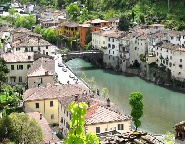 Watch: BAGNI DI LUCCA - Lucca, Tuscany, Italy -  Bagni di Lucca is a village in the province of Lucca in Tuscany, known for its hot springs since the Etruscan and Roman times. http://www.miraedestino.com/video.cfm?id=50