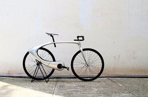 時尚極簡的太空漫遊自行車(圖片源自yankodesign)