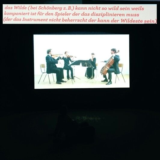 Een lesje kom eens uit je comfort zone. Niet alleen van stoel maar ook van instrument wisselen, en verder spelen terwijl je dat instrument niet beheerst. Dieter Roth in Hamburger Bahnhof 2015 (π)