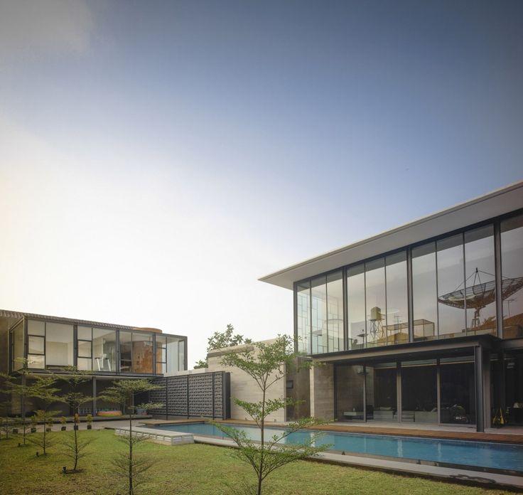 Rumah Bidang Jakarta / Raul Renanda Design