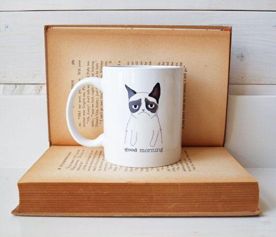 Keramiktasse aus eine mürrische Katze von AfternoonCoffee auf Etsy, $23.25
