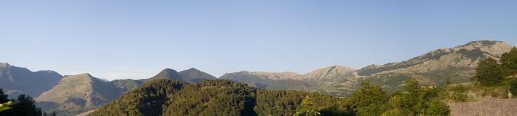 La corona di Monti che circonda Aieta coperta da Monte Schiena (La Pineta)