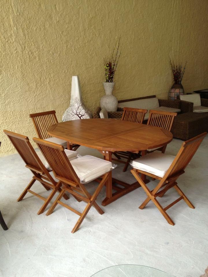 tavolo e sedie in legno di teak