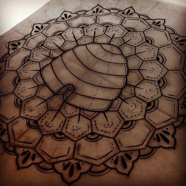 By @austin_huffman_tattoo. #heartofgoldtattoo #austinhuffman #beehive #beehivestate #utah #utes #unionuofu #801 #slc