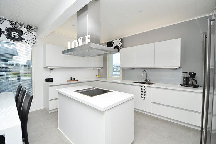 Valkoinen keittiö  keittiö  Pinterest  Tuotteet