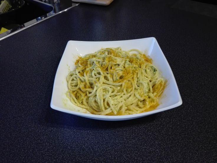 Spaghetti curcuma e zucchine