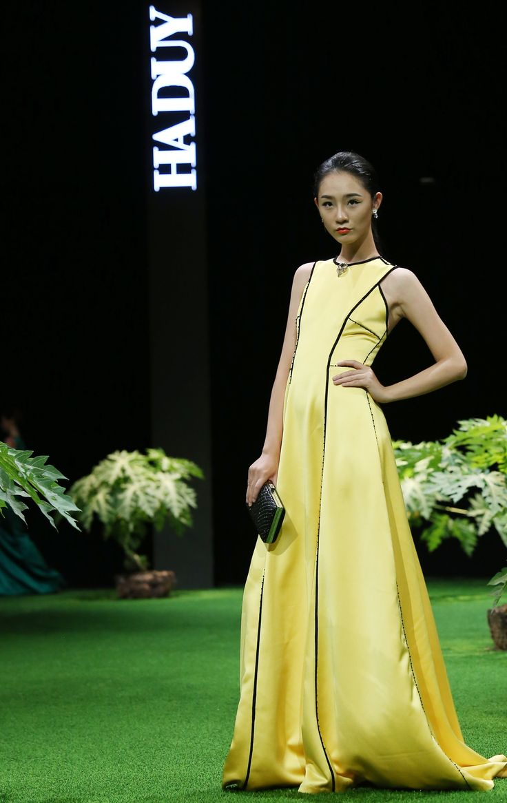 Vietnam Fashion Week SS17 - Ready to wear.     Designer: Ha Duy   Photo: Cao Duy