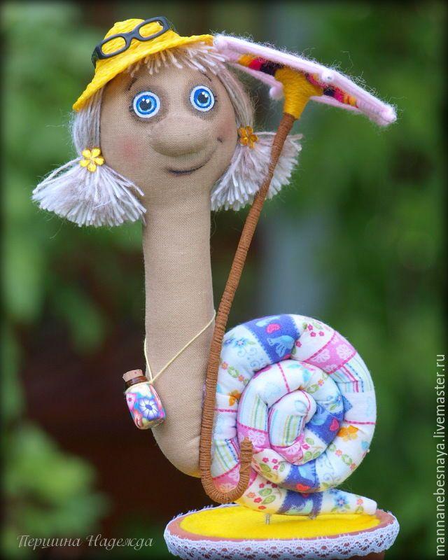 Купить Улиточка Дора Путешественница - желтый, улитка, ароматизированная игрушка, интерьерная игрушка, текстильная игрушка