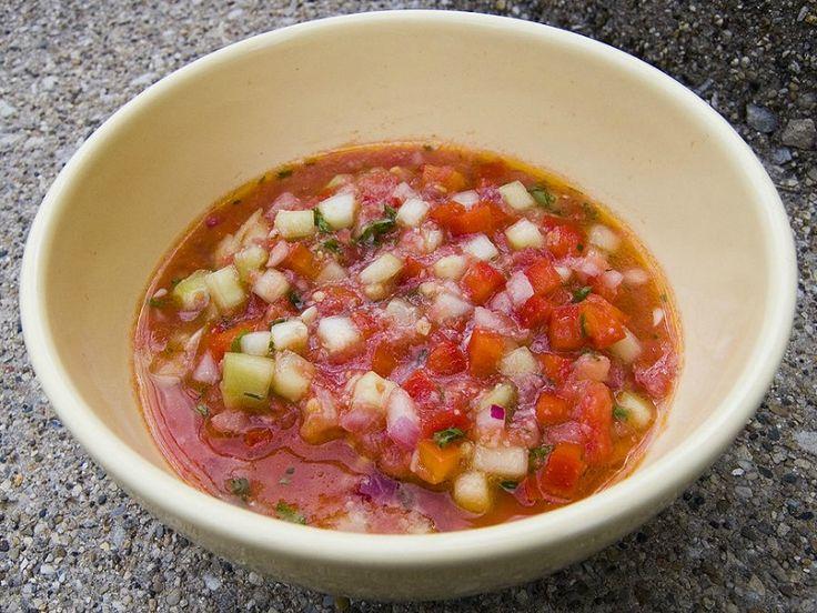 Gaspačo(šp.gazpacho; port.gaspacho-vidi sliku) je hladnasupaodparadajzatipična zaŠpanijuiPortugal. U Španiji je posebno popularna