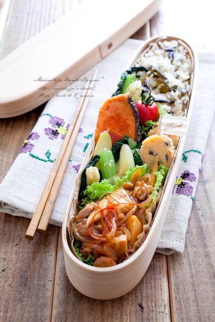 こんばんは♪ママンです。本日はパパのお弁当です。わかめごはんと竹の子のピリ辛炒め。夏が来る前に。。。。春の素材を堪能しなければっ。(夏日が続いてますねー;) …