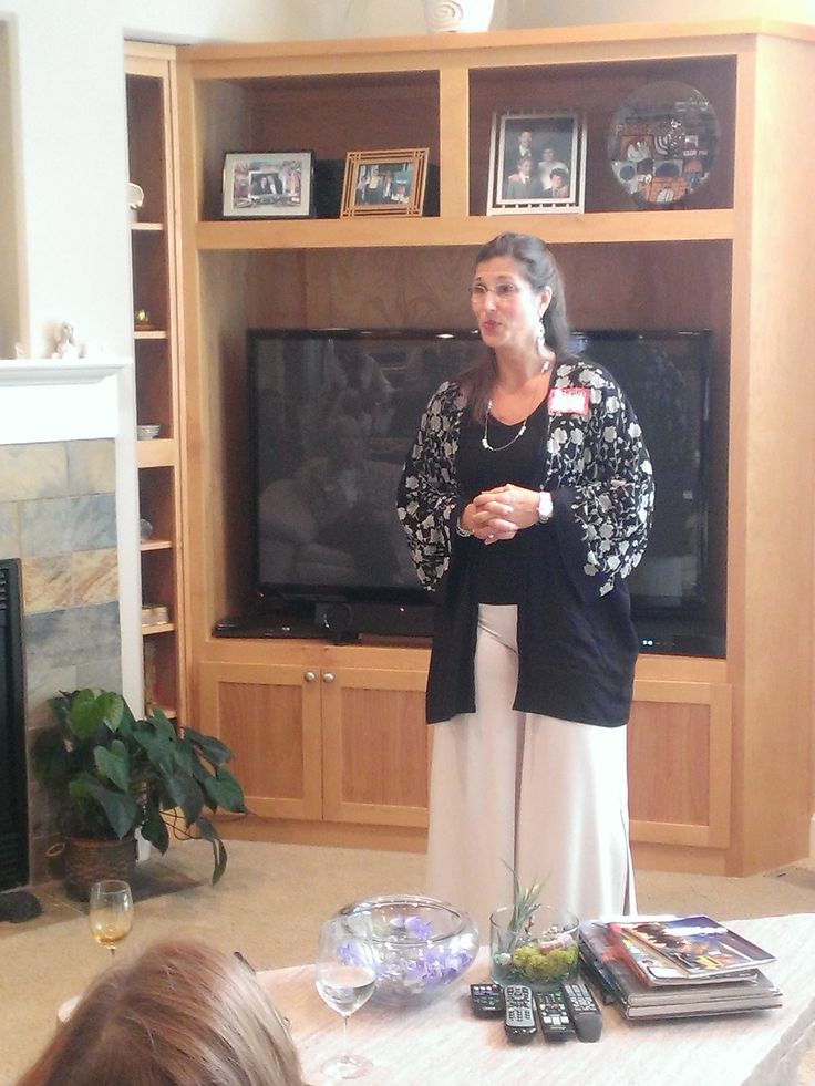 Generosi-Tea (e) - International Speaker Leeza Steindorf speaks on Life Choices.