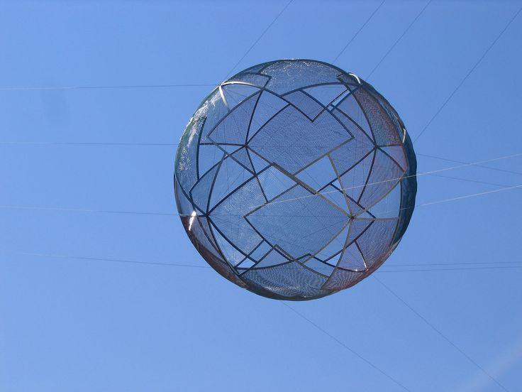 Steel_globe_national_art_gallery.jpg (1600×1200)