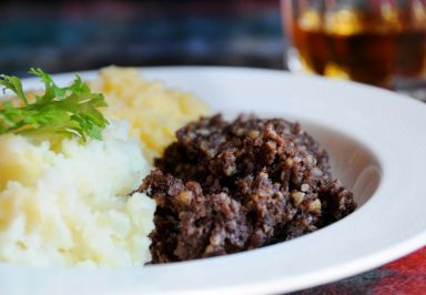 Whether you buy a prepared haggis from your butcher or attempt to make it yourself, haggis -the official dish of Scotland, made for Robert Burns Day dinners around the world this week- is steamed, or cooked in a bain marie (water bath) – a perfect candidate for the low and slow, even heat of a […]