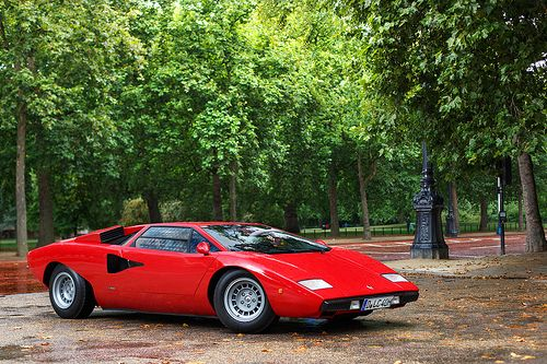 Lamborghini LP 400 - beautiful - and then they stuck a wing and bodykit on it! - LGMSports.com
