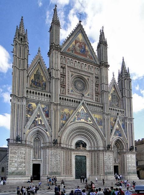 Duomo di Orvieto, Umbria, Italy. Only 45 minutes away from Paint Live Love Italy!: http://barraganstudio.blogspot.it/