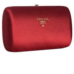 Prada Red Satin Clutch Diese und weitere Taschen auf www.