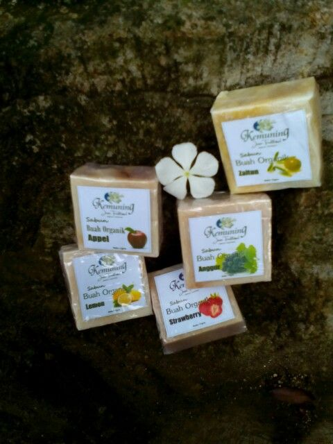 Jual sabun organik buah-buahan Manfaat sabun organik untuk perawatan kesehatan dan kecantikan tubuh. Terbuat dari bahan-bahan alami tanpa pengawet. Berminat?   Phone +6285292292543  PIN BB 525aaf24  Line  Dinimurdaningsih