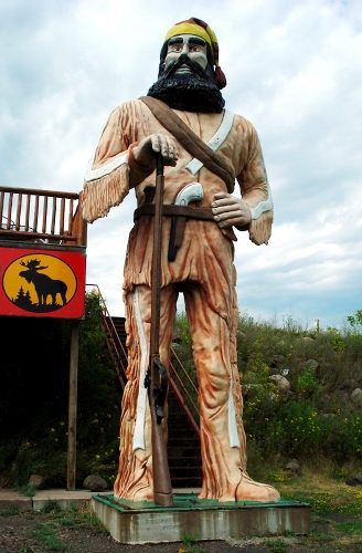 Big Louie stands as a monument to honor the Voyageurs--French fur traders who explored what we now know as Minnesota.    Read more: http://www.nydailynews.com/life-style/world-largest-roadside-attractions-gallery-1.39761#ixzz2EclPyAIT