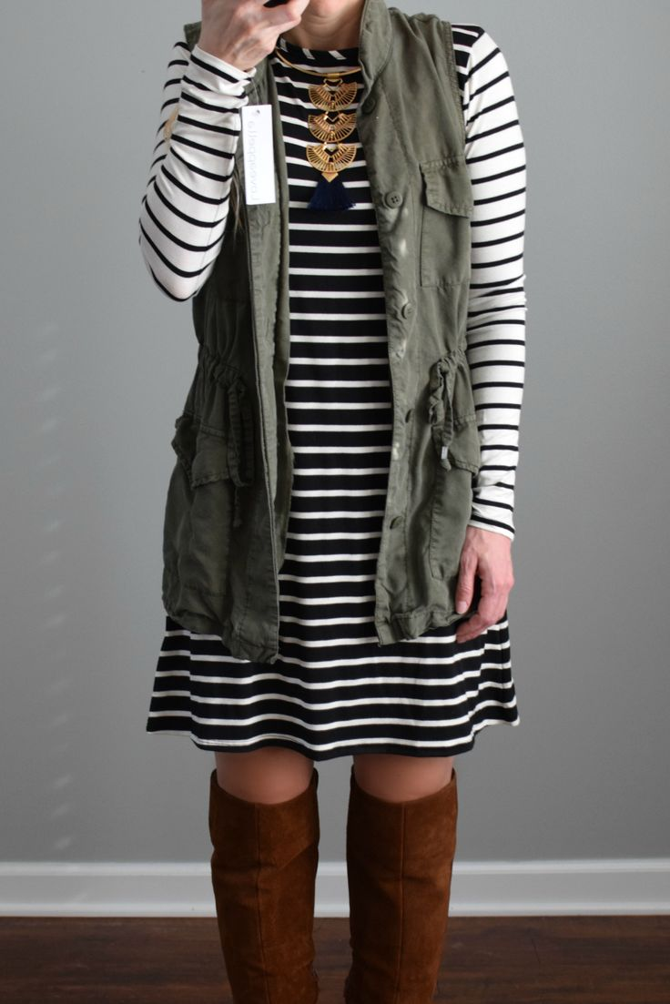 December 2016 Stitch Fix Review: Loveappella Kandice Knit Swing Dress |www.pearlsandsportsbras.com|