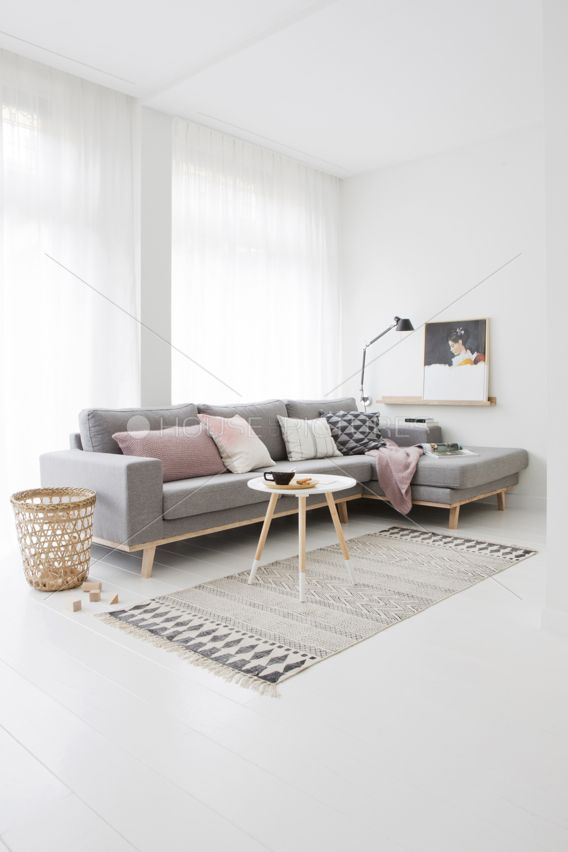 25 best ideas about grey sofa decor on pinterest grey for Minimalist living pinterest